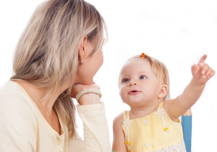 O baby talk estimula o cérebro infantil