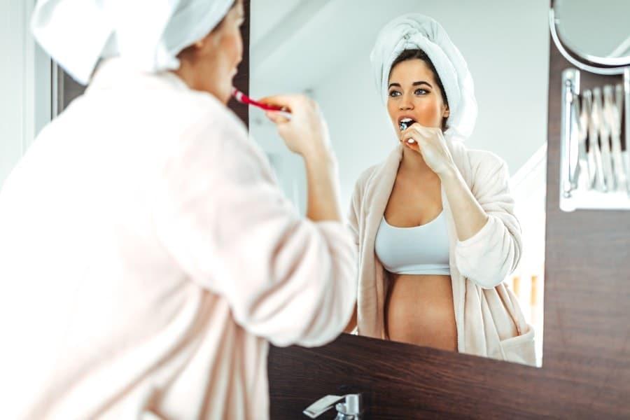 Entre as doenças perigosas na gravidez está a gengivite