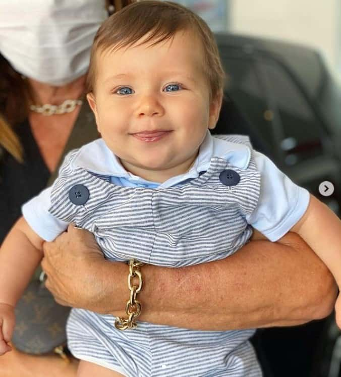 O pequeno Zyan, filho de Giovanna Ewbank, sorrindo