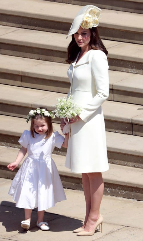 Kate Middleton e Charlotte no casamento de Meghan