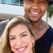 Léo Santana e Lorena Improta esperam seu primeiro filho