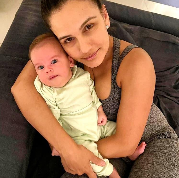 Kyra Gracie e seu bebê com Malvino Salvador