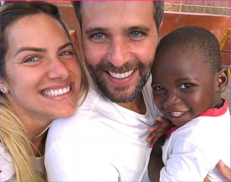 Giovanna Ewbank e Bruno Gagliasso com seu bebê Bless