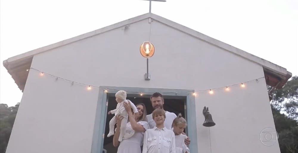 Fernanda Lima e Rodrigo Hilbert com os três filhos no casamento