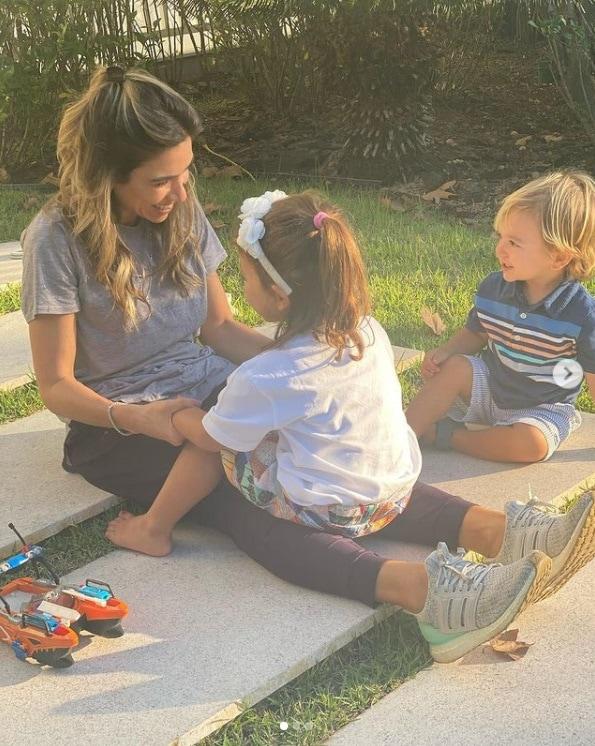 Patrícia Abravanel com dois dos seus filhos
