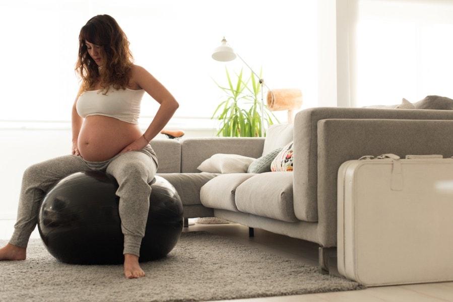 Alguns exercícios podem ajudar o bebê a encontrar a posição cefálica
