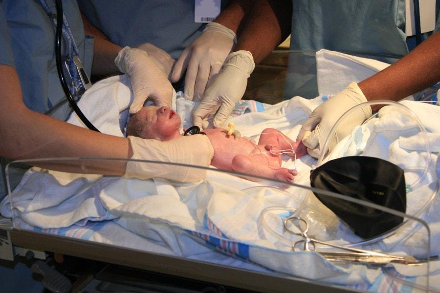 Veja como calcular a idade do bebê em casos de prematuridade