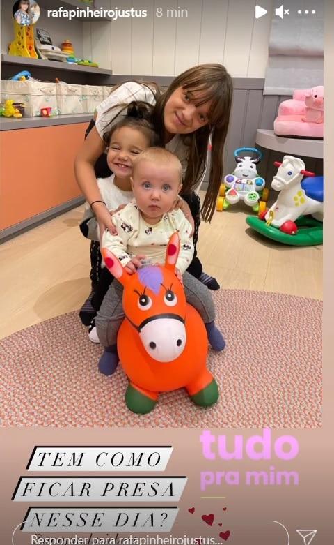 Rafaella Justus com as duas irmãs mais novas