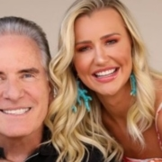 Esposa de Roberto Justus mostrou a filha com roupinha de luxo
