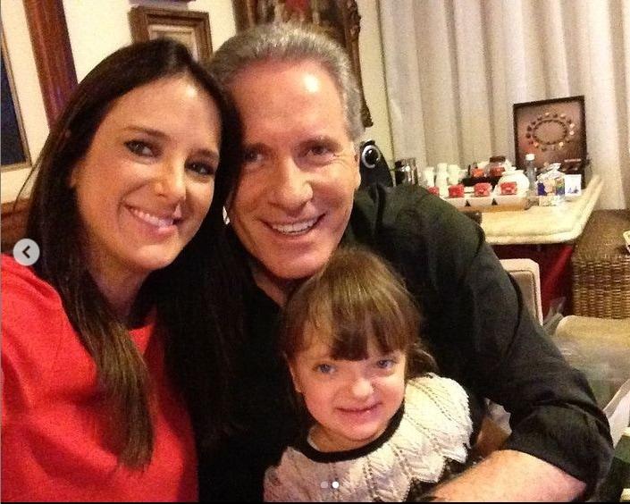 Ticiane Pinheiro e Roberto Justus com Rafa quando bebê