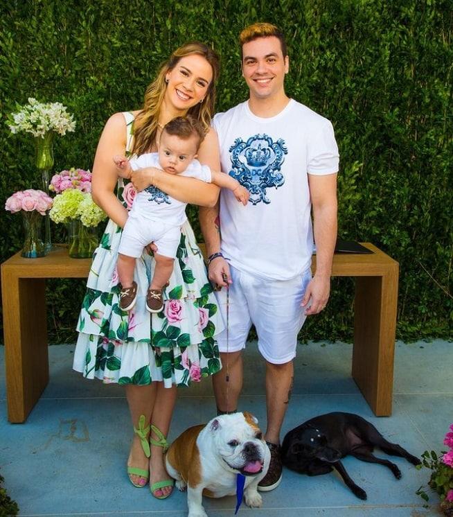 Luccas Neto em casamento com Jéssica Diehl e junto com o filho deles