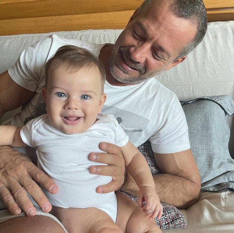 Malvino Salvador encantou ao aparecer com o pequeno Rayan