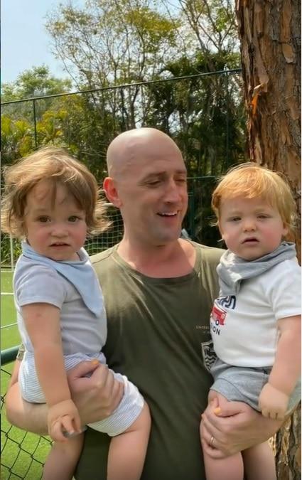Paulo Gustavo com os filhos em foto mostrada por Marcus Majella
