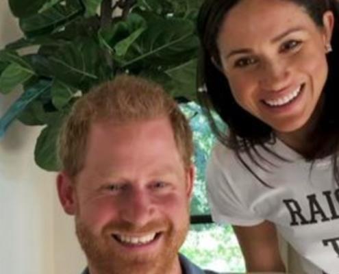 A duquesa Meghan Markle e o príncipe Harry mostraram o rosto do seu bebê
