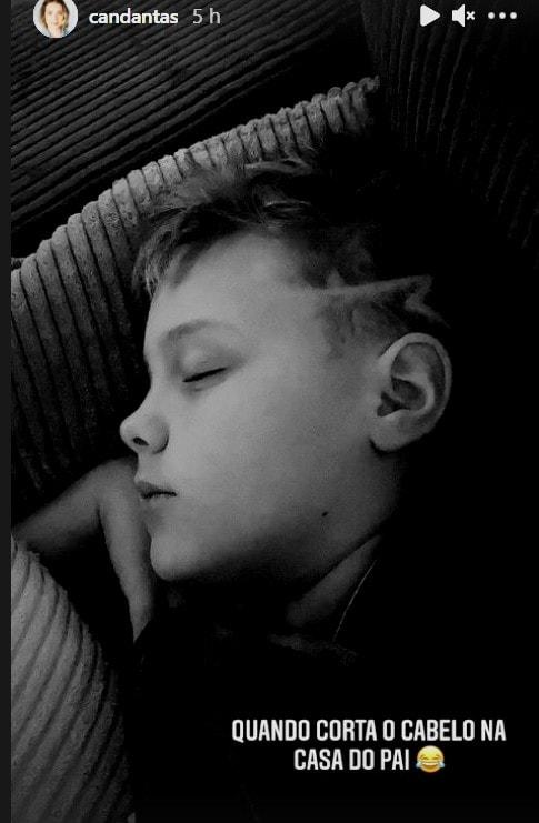 Filho de Neymar após cortar o cabelo na casa do pai