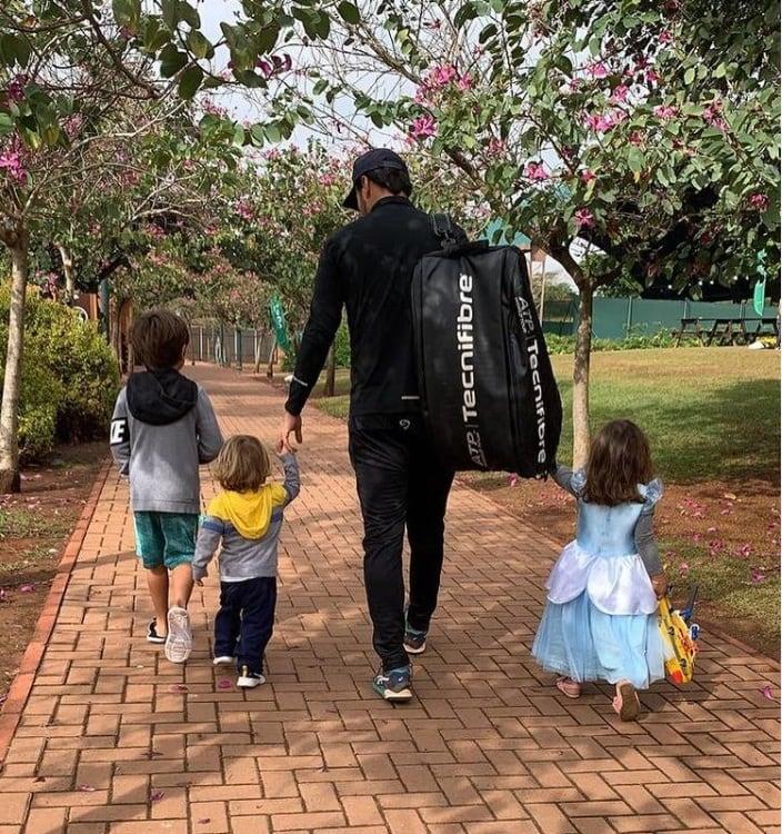 Filhos de Patrícia Abravanel juntos com o pai