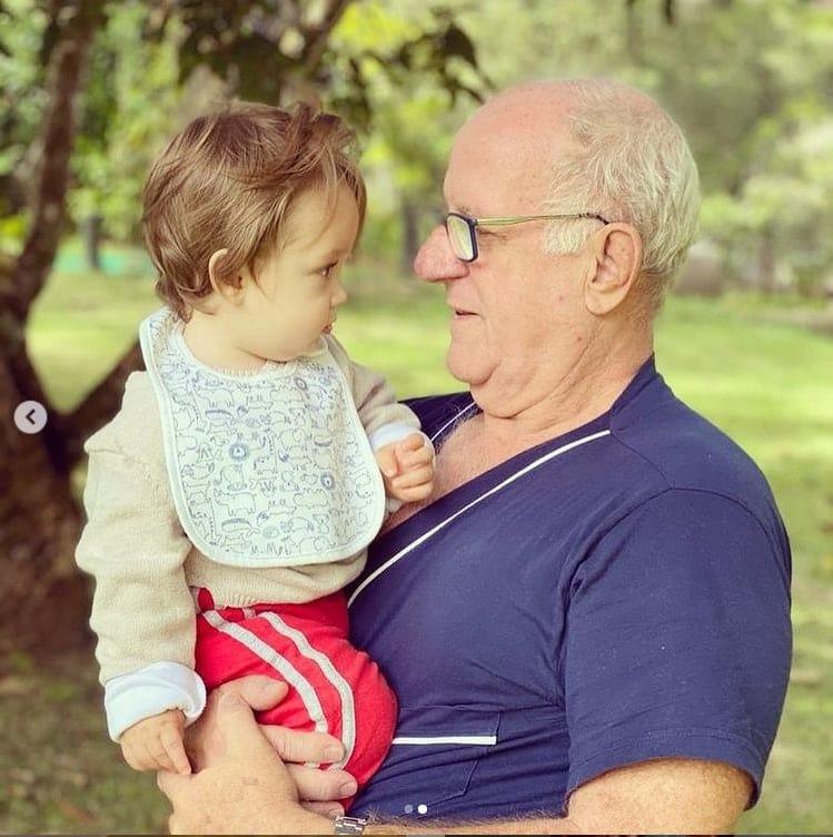 Pai de Paulo Gustavo com o filho dele, o fofo Gael