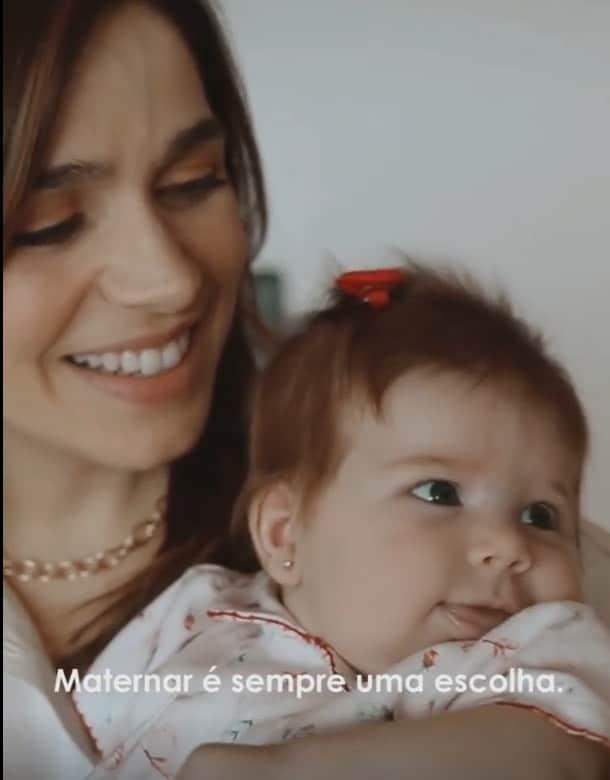 Sabrina Petraglia com a sua pequena Maya
