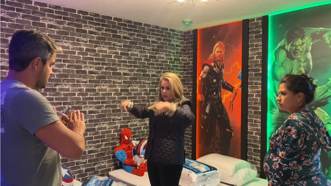 Simone mostrou o lindo quarto do filho