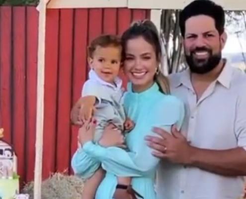 Sorocaba e Biah Rodrigues comemoraram um ano do filho