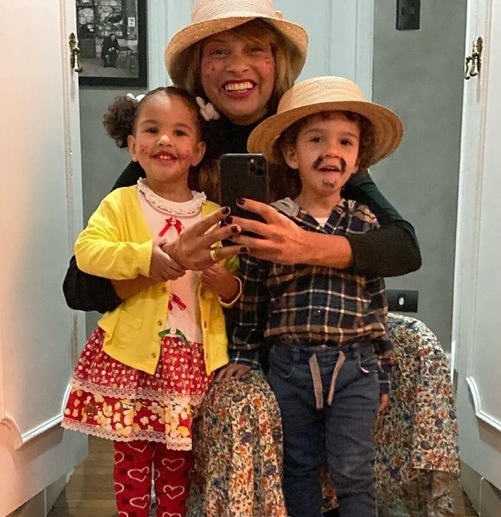 Filhos gêmeos do chef Erick Jacquin com roupinhas juninas