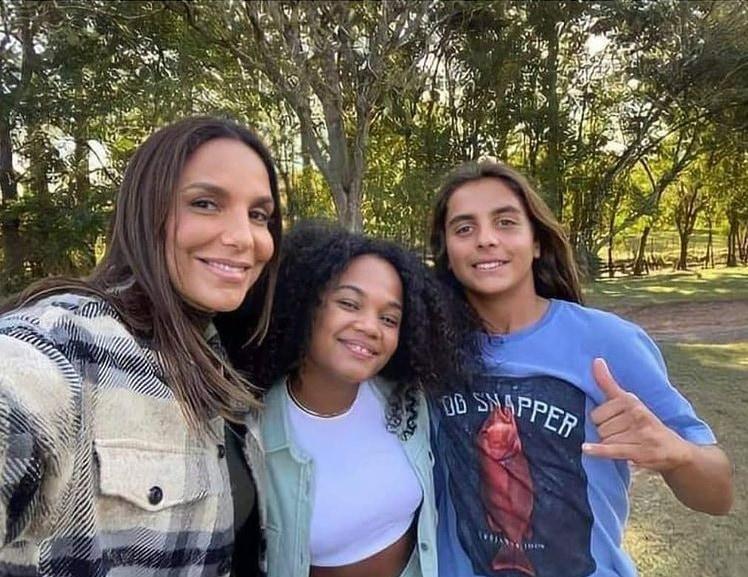 Ivete Sangalo com Agnes Nunes e Marcelo