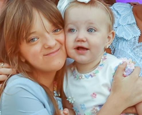 Rafaella Justus com a irmãzinha Vicky