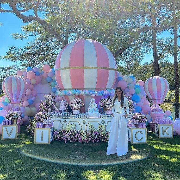 Comemoração do aniversário da bebê Vicky, filha de Roberto Justus