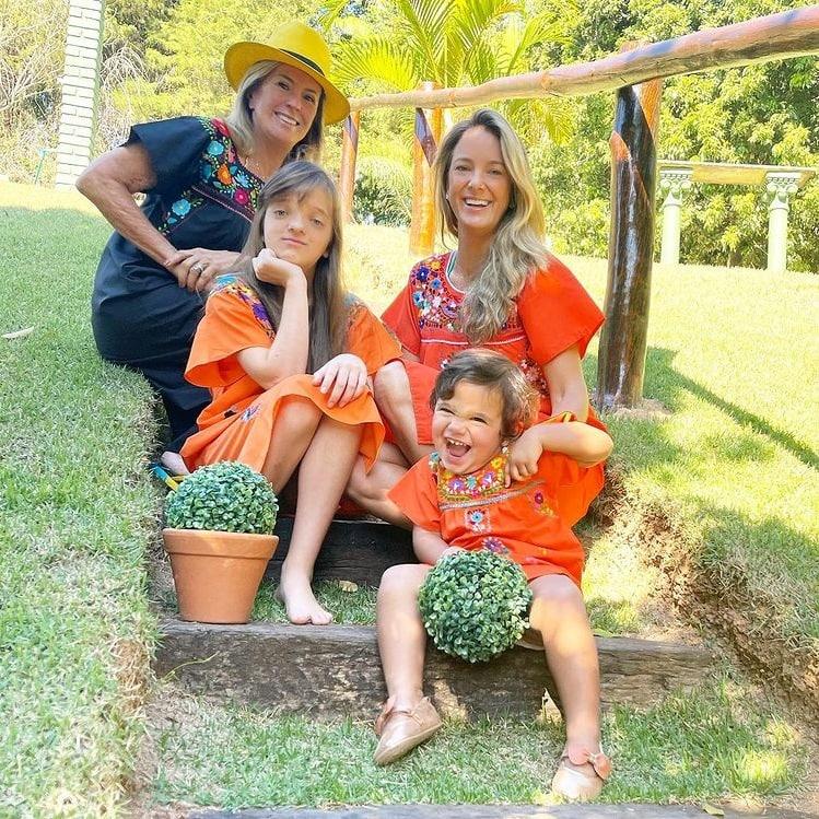 Ticiane Pinheiro com Manuella e Rafaella