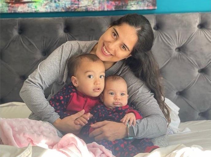 Camilla Camargo com os dois filhos, os pequenos Joaquim e Julia