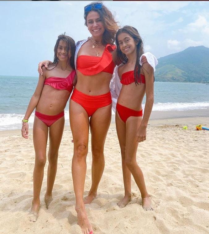 Giovanna Antonelli e suas gêmeas idênticas