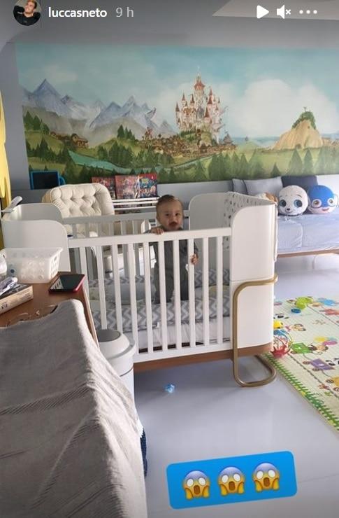 Bebê de Luccas Neto no seu quarto encantador