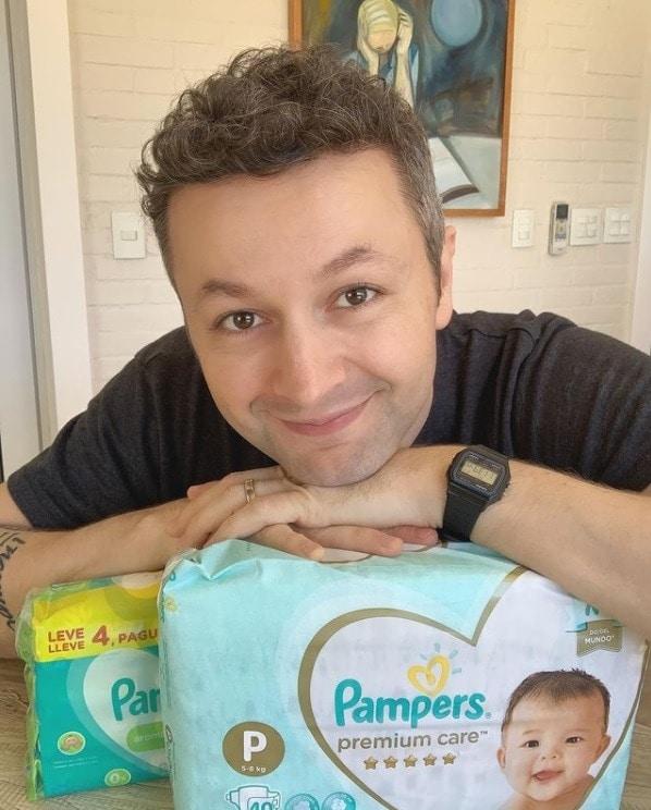 Lucas Lima gerou suspeitas de uma gravidez da esposa, a cantora Sandy