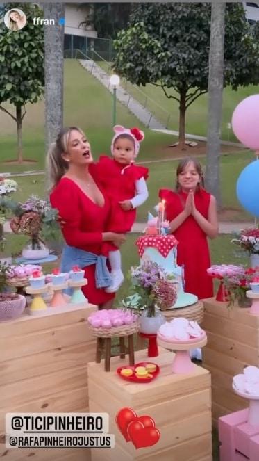 Ticiane Pinheiro celebrando o aniversário da pequena Manuella