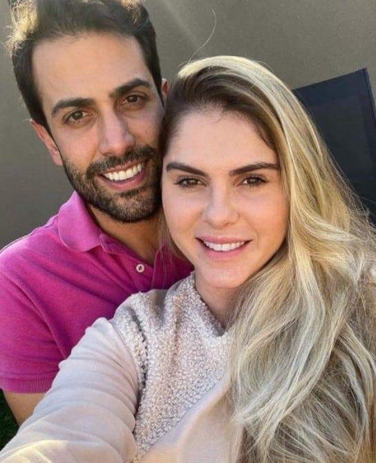 A modelo Bárbara Evans ao lado do marido Gustavo Theodoro