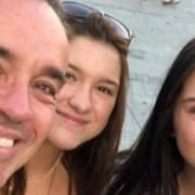 Filha de Gugu Liberato comemorou o primeiro aniversário de namoro