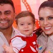 Mano Walter e Débora Silva celebraram o aniversário de seu filho