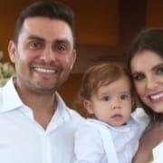 Mano Walter e Débora Silva celebraram o batizado do filho em grande estilo