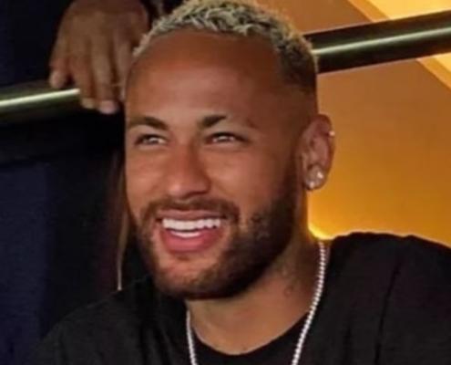 Neymar apareceu com seu filho e a suposta nova namorada