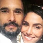 Rodrigo Santoro apareceu com a filha e sua esposa se declarou