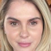 Bárbara Evans exibiu a barriguinha de gêmeos