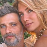 Bruno Gagliasso e Giovanna Ewbank passearam com os filhos pela Europa