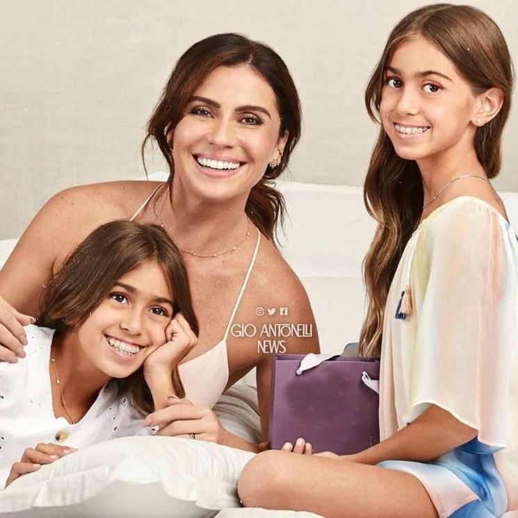 Giovanna Antonelli com as filhas Sofia e Antônia