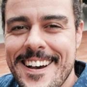 Joaquim Lopes apareceu junto com suas gêmeas idênticas