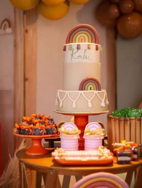 O bolo do chá de bebê do Kalu, filho de Rafael Zulu e Aline Becker