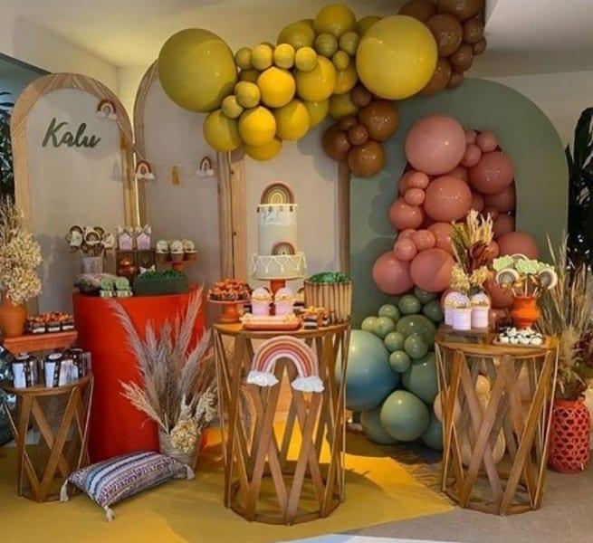 Linda decoração do chá de bebê do Kalu, filho de Rafael Zulu e Aline Becker