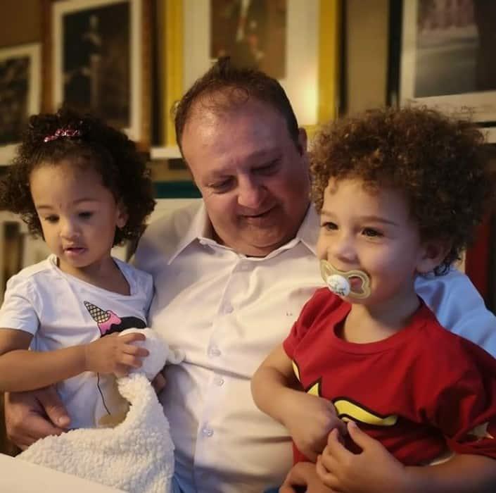 Erick Jacquin com os pequenos Élise e Antoine