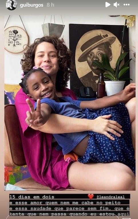 Leandra Leal ao lado da filha Júlia de sete anos