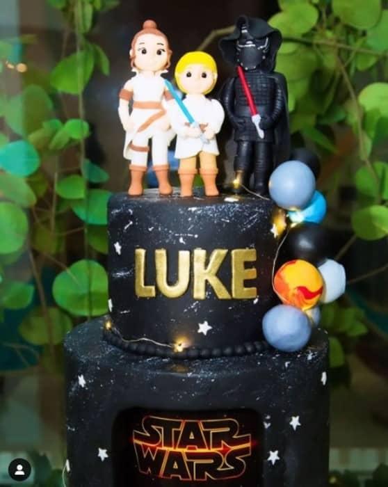 O lindo bolo da festa do Luke, filho de Luccas Neto e Jéssica Diehl