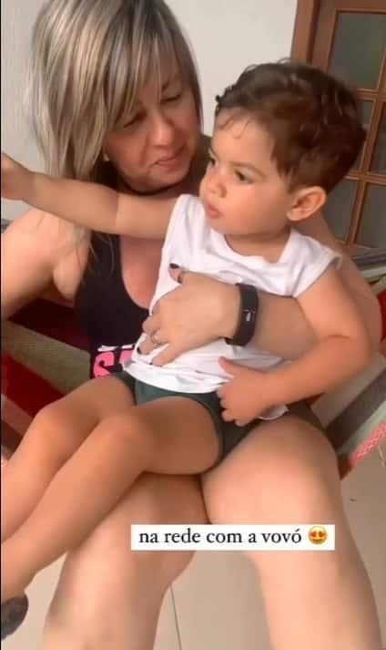 Filho de Marília Mendonça e Murilo Huff ao lado da avó paterna